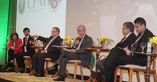 Mesa de debates: educação e formação médica