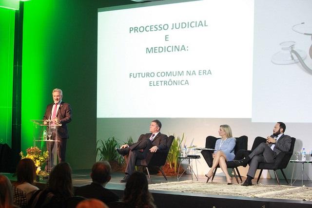 Congresso de Direito Médico debate desafios da Medicina na era das mídias sociais e aplicativos