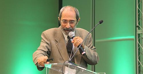 Aníbal Gil Lopes proferiu uma palestra sobre o conceito do ordinário e do extraordinário no cuidado médico