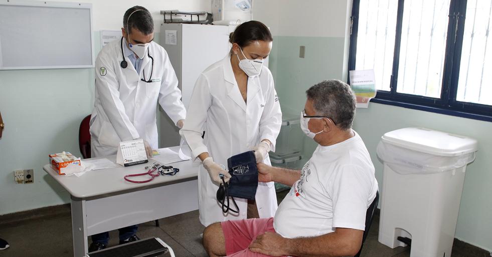 Desigualdade na distribuição dos médicos dificulta o acesso da população aos cuidados em saúde